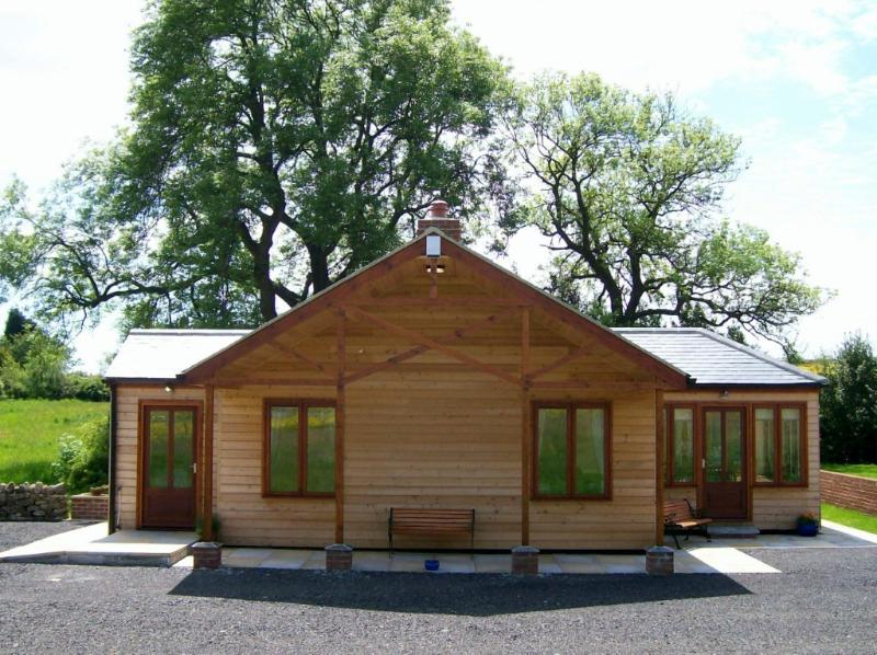 Little Owl Lodge - Little Owl Lodge, Durham Dales Alpaca Farm, Luxury - Durham - rentals