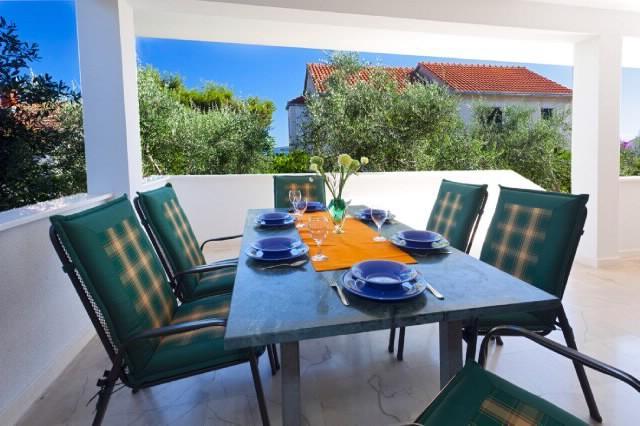 Villa Doris - V2181-K1 - Image 1 - Okrug Gornji - rentals