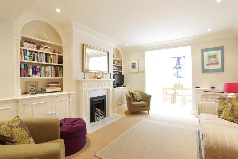 Queensdale Place, pro-managed - Image 1 - London - rentals
