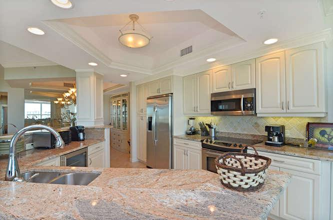 Kitchen - The Dunes - Naples - rentals