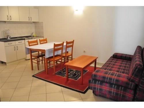 Apartments Jennifer - 53241-A2 - Image 1 - Orebic - rentals