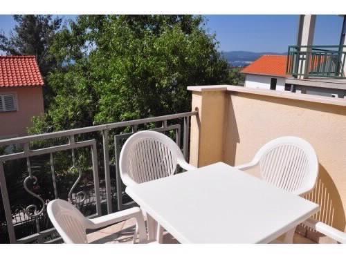 Apartments Jennifer - 53241-A3 - Image 1 - Orebic - rentals