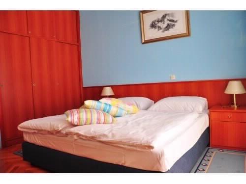 Apartments Jennifer - 53242-S10 - Image 1 - Orebic - rentals