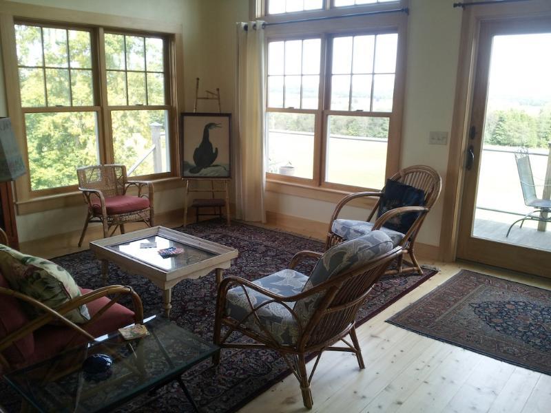 living room - peaceful 2 bedroom retreat - Hardwick - rentals