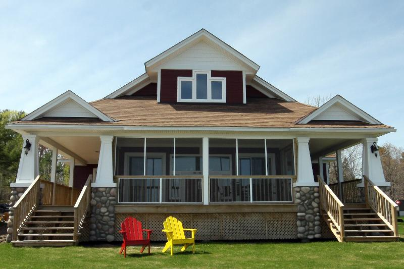 Three Bedroom Lakeside Cottage - The Cottages at Port Stanton - Deluxe Lakeside Cottages - Muskoka - rentals