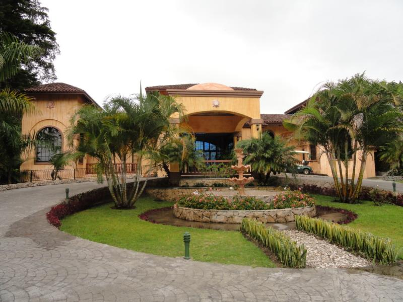 Welcome - Club House - LUXURY 3 BEDROOM VILLA IN VALLE ESCONDIDO - Boquete - rentals