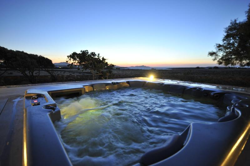 outdoor jacuzzi - Villa Christina- elegant traditional restored farm house. - Naoussa - rentals