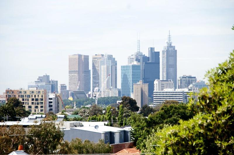 Position Perfect - City Views - Image 1 - Melbourne - rentals