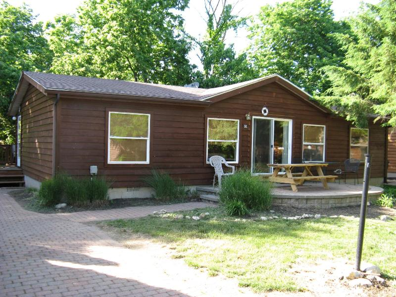 Island Club House 105 - Image 1 - Put in Bay - rentals