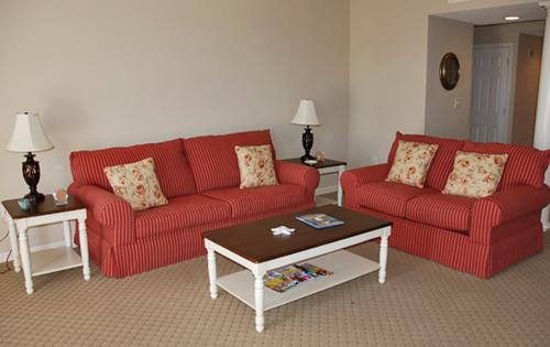 Living room - Beautiful 3BR North Tower 204, HDTV/WiFi/Pool!!! - North Myrtle Beach - rentals