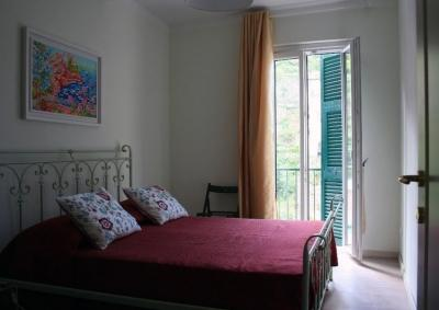 The master bedroom, second floor - Casa Degli Aranci-Sleeps 4+2 - Riomaggiore - rentals