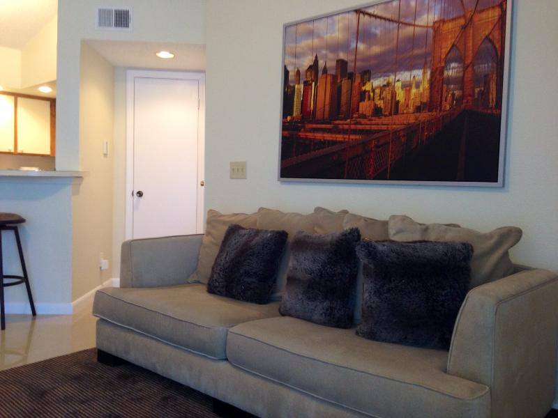 CONTEMPORARY STYLE - NEW APARTMENT AT SAWGRASS MALL SUNRISE, FL - Plantation - rentals