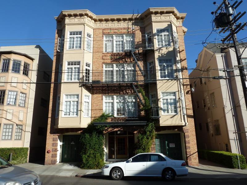 Charming Building - Charming Studio in Lake Merritt/Adam's Point - Oakland - rentals