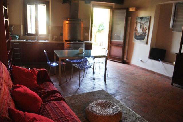 Siena centre-Brown apartment with garden - Image 1 - Siena - rentals