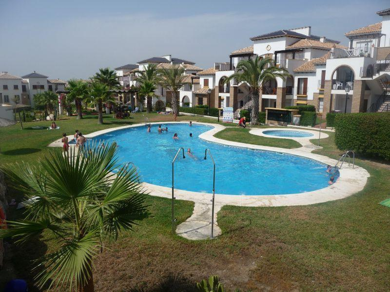 Large freshwater pool - Spain -Vera Playa Holiday apartment sleeps 6 - Andalusia - rentals