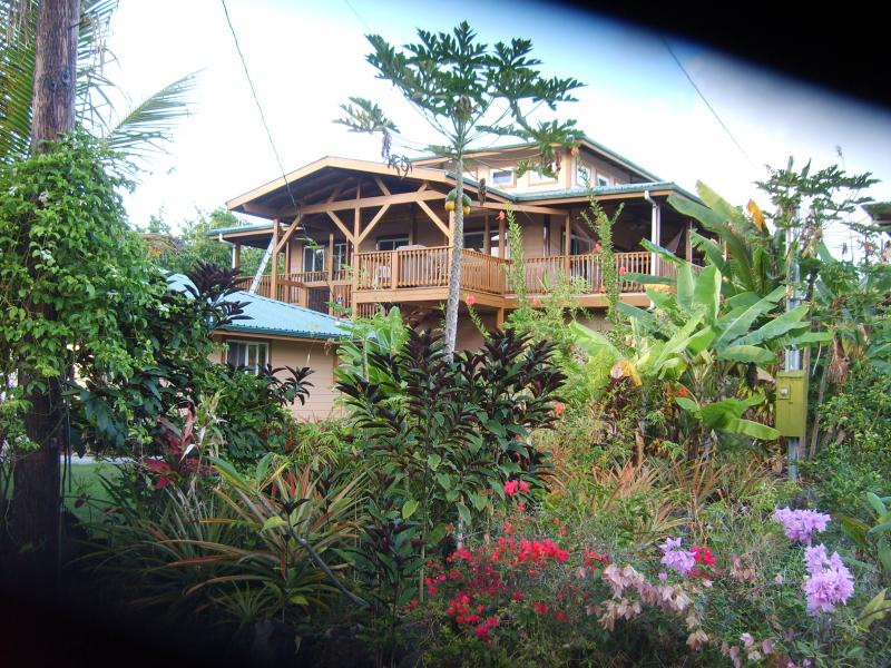 The Kahonua House.  Located in a small oceanside community - THE KAHONUA HOUSE AT THE WAI OPEA MARINE PRESERVE - Pahoa - rentals