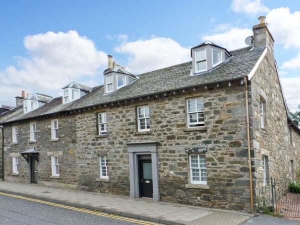 BRUADAIR, Grade B listed, en-suite, large enclosed lawned garden, surrounded by - Image 1 - Aberfeldy - rentals