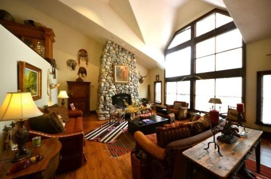 Spacious Living Room with Wood Burning Fireplace - Platinum Rated 3BR SaddleRidge Villa, Ski In/Ski Out, Beaver Creek Village - Beaver Creek - rentals