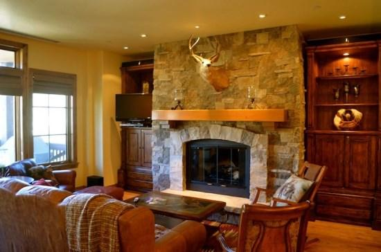 Spacious Living Room with Firepalce, Flat Screen TV, and Great Views - Spectacular 3BR Platinum Rated Ski In/Ski Out Beaver Creek Landing Condo - Beaver Creek - rentals