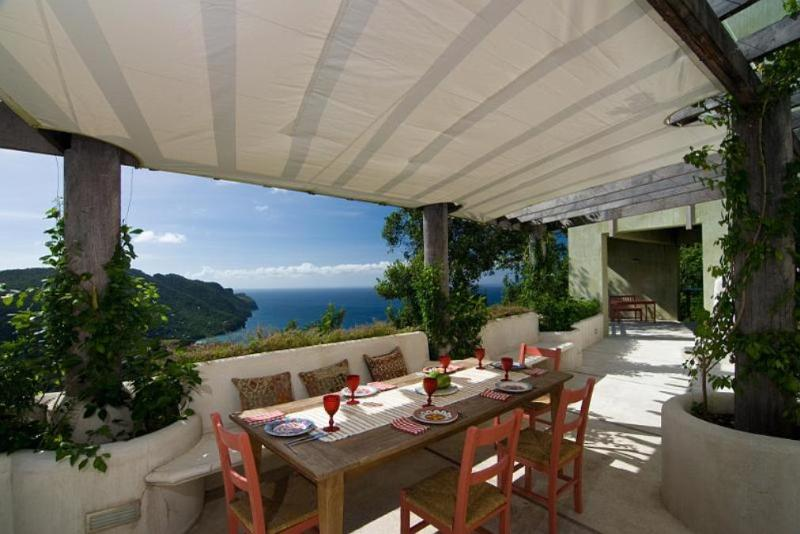 Inspiring views over pristine beaches and islands, 6 bedrooms, 6 bathrooms, ocean view, infinity edge swimming pool, cutting edge architecture (v) - Image 1 - Belmont - rentals