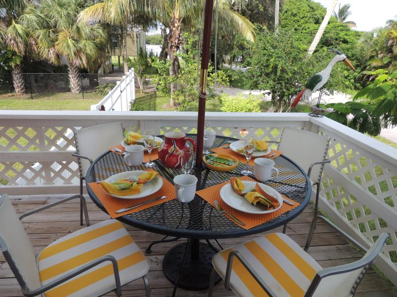 Enjoy your coffee or cool drink overlooking the bay - Enjoy the Bay or Beach - Fort Myers Beach - rentals