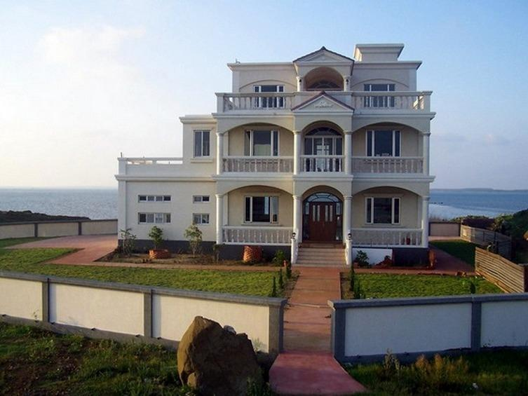 Villa Romana entry with the sea behind. - Villa Romana B&B, Penghu Island, Taiwan - Taiwan - rentals