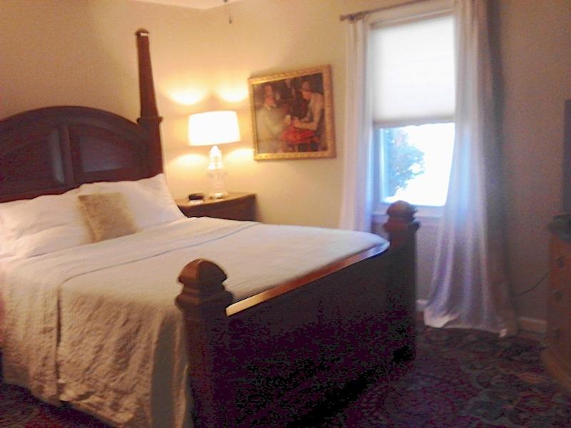 Front Queen Bedroom with Oriental Rug. - Best Value in Buckhead/ Brookhaven Walk to Train - Atlanta - rentals
