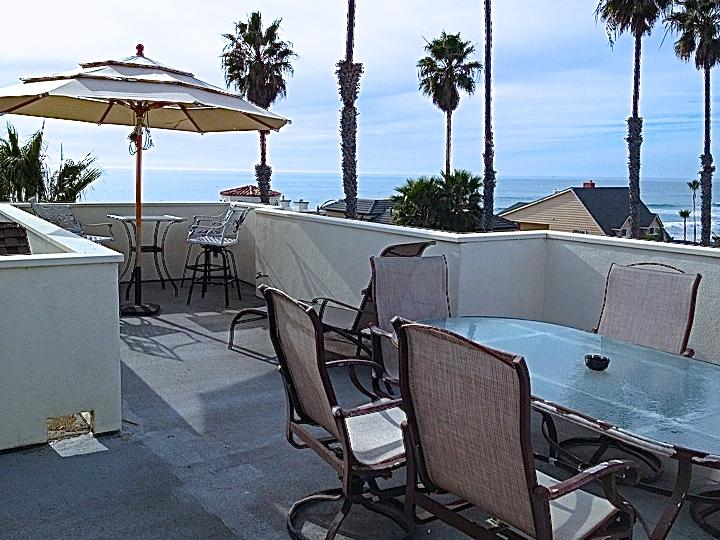 Breakfast, Lunch and Dinner on Rooftop Deck - 3,000 Sq Ft Beach Home, 7TH NIGHT FREE!! See Video - Oceanside - rentals