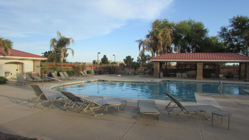 Community pool-3 minute walk - Outstanding 4 Bedroom house in Phoenix area - Queen Creek - rentals