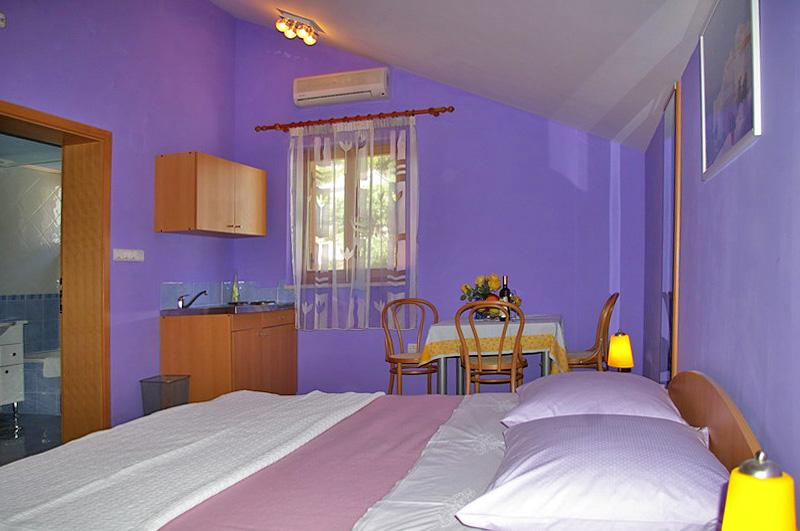 Duble bedroom with living room area and mini kitchen - Studio Lilac near Dubrovnik (2+1) - Dubrovnik - rentals