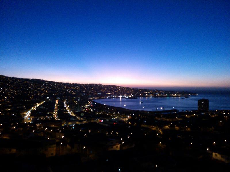 view from the balcony at night - Valparaiso, beautiful bay view - Valparaiso - rentals