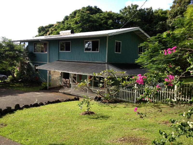 Your Hawaiian Surf Ohana! - The Surfers Inn - Holualoa - rentals