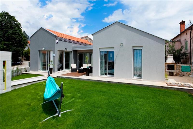 Charming villa with combination of tradition and contemporary design, only 4 km from the sea - Image 1 - Croatia - rentals