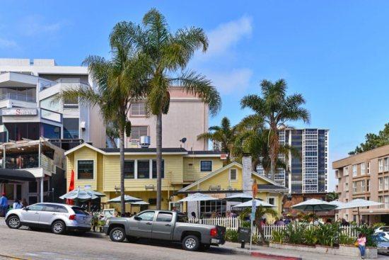 Cody House-condo in heart of Village w/ocean views - Image 1 - La Jolla - rentals
