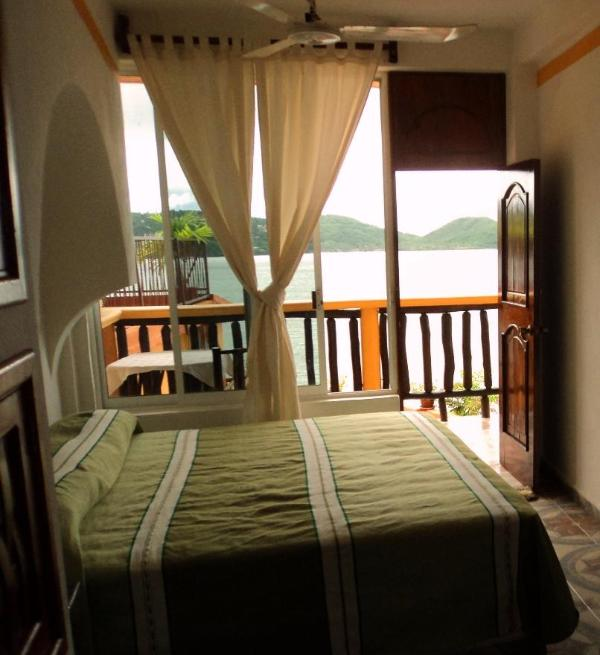 a room with a view - a room with a view 2 bedroom apt - Zihuatanejo - rentals