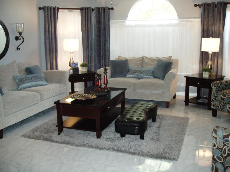 """""""HARRY POTTER'S"""" Spectacular, Low $'s, Near Disney - Image 1 - Kissimmee - rentals"""