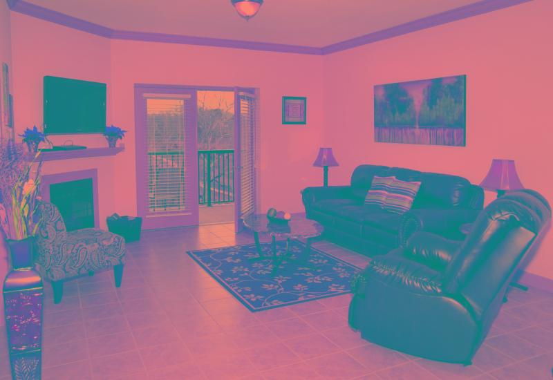 Spacious living room with fireplace and TV - 33972742-39b2-11e3-ba92-782bcb2e2636 - Pigeon Forge - rentals