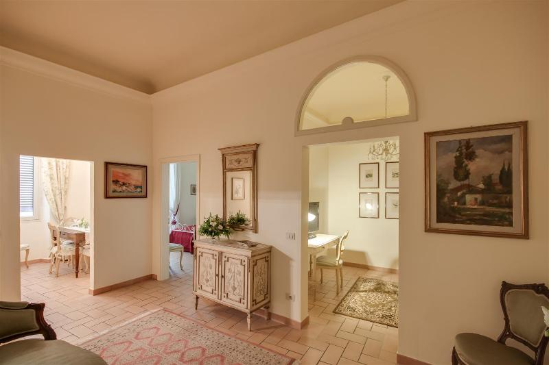 VISITED BY TRIPADVISOR - Prestigious apartment in S. Maria Novella square (WIFI) - Florence - rentals
