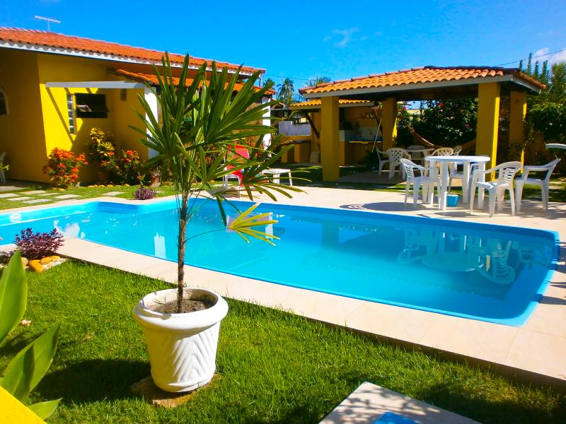 GUARAJUBA Beach,100 meters f/ the beach with pool - Image 1 - Camacari - rentals