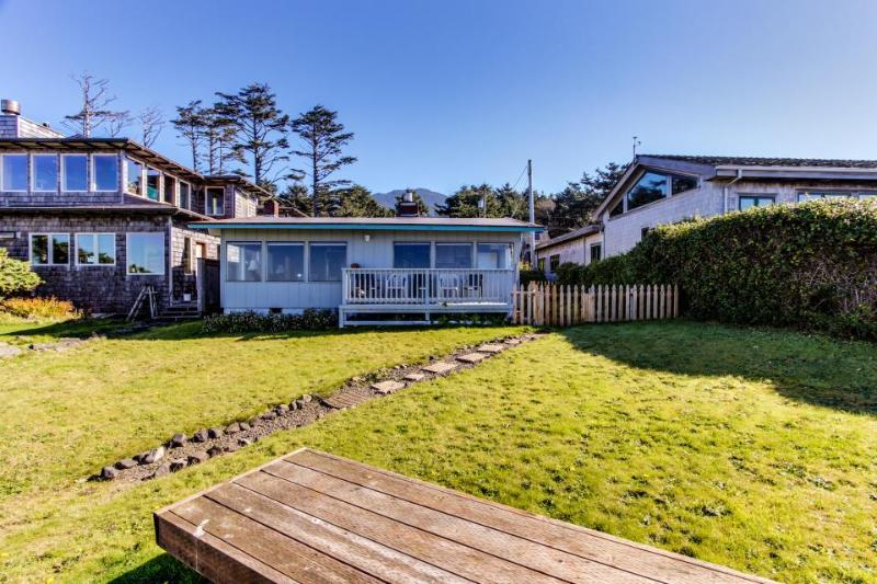 Cozy oceanfront home w/pet-friendly attitude, amazing views - Image 1 - Arch Cape - rentals