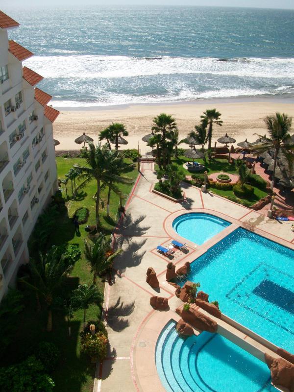 View from balcony - BEACH CONDO OVERLOOKING THE PACIFIC - Mazatlan - rentals
