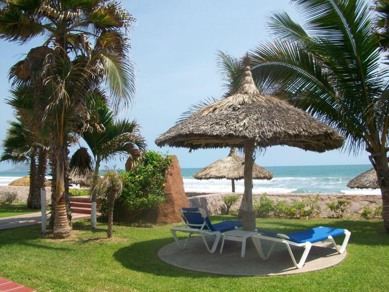 Grounds of Quintas del Mar - Quintas del Mar  - BEACH CONDO - Mazatlan - rentals