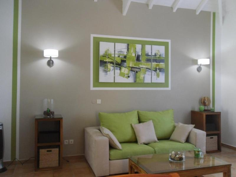 Living Room - Salt Paradise - mezzanine - 30 meters of the beach - Orient Bay - rentals