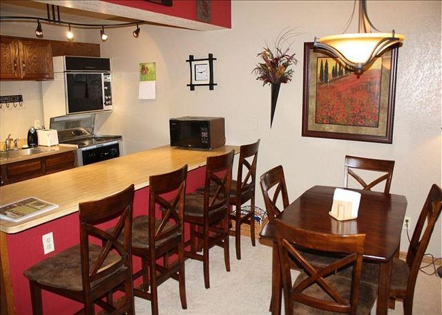 Very comfy and cozy 1 bed,  2 bath. DISCOUNT LIFT TICKETS!!!!!! Sleeps 6. - Image 1 - Winter Park - rentals