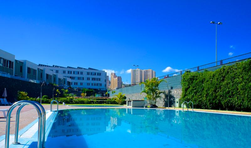 Swimming Pool - Beautiful apartment with sea views in Las Palmas de Gran Canaria - Las Palmas de Gran Canaria - rentals