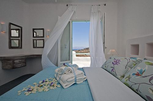 The second bedroom with double bed in the first floor - A modern style and luxury villa in Naoussa - Naoussa - rentals