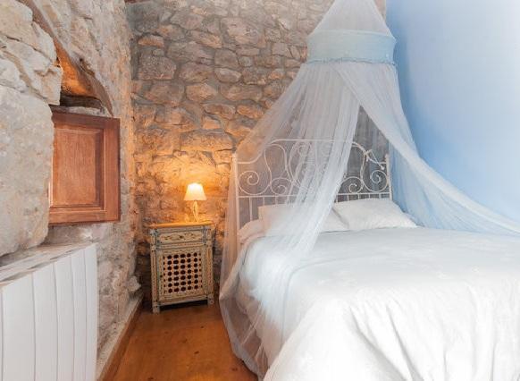 Beautiful cottage with forest.Idyllic - Image 1 - Yera - rentals