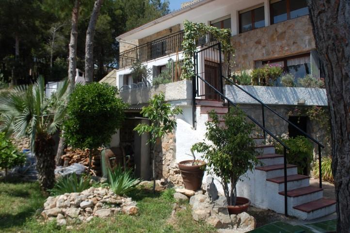 WALK DISTANCE TO SITGES CENTRE. SEAVIEW & GARDEN - Image 1 - Sitges - rentals