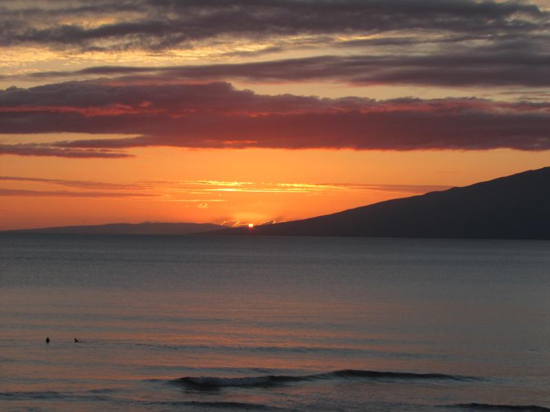 JUST ANOTHER MAUI SUNSET FROM YOU LANAI - ROYAL KAHANA 9th FLOOR OCEANVIEW CONDO - Lahaina - rentals