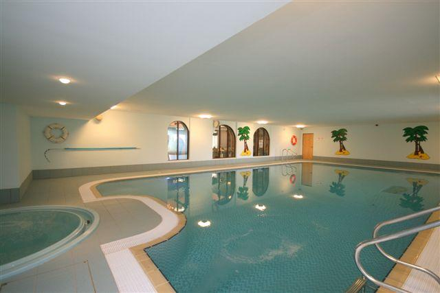 Swimming pool with hot tub, steam room and sauna - cottage with leisure facilities - Penrith - rentals